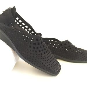 New Arche Perforated Suede semi-flats